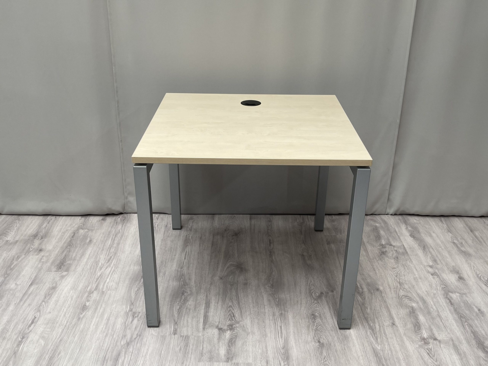Table Carrée Type 3