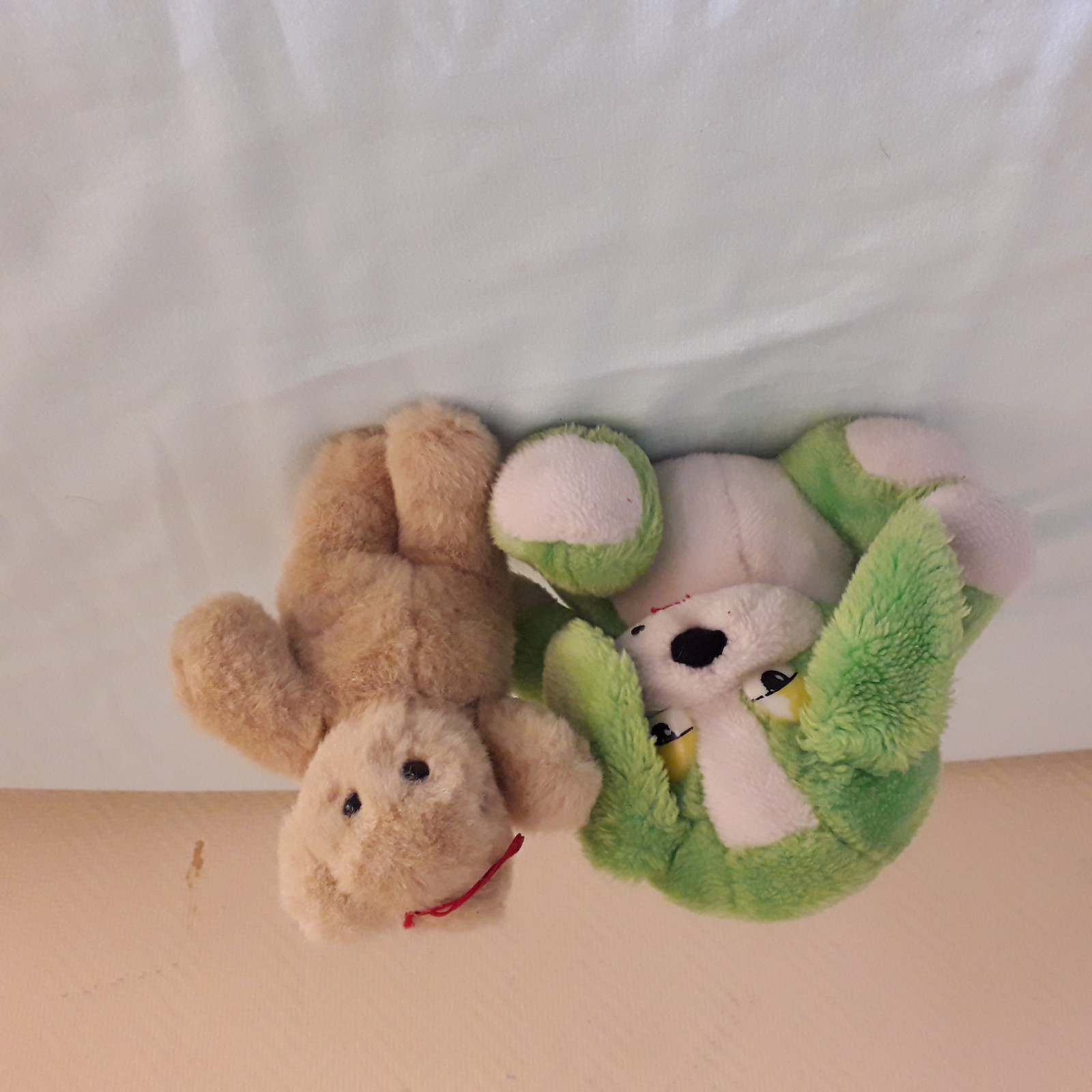LOT 2  PELUCHES